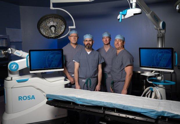 St. Mary's Regional Medical Center es el primero en la región en agregar tecnología robótica de reemplazo de rodilla a los servicios quirúrgicos